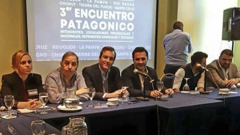 El encuentro del Bloque Patagónico Anti Ajuste que se desarrolló ayer en Neuquén capital.