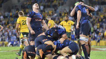 La selección argentina de rugby se vuelve al país con una victoria histórica ante Australia, donde no ganaba desde hace 35 años.