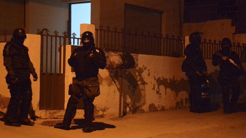 Los allanamientos se realizaron en viviendas particulares y también se detuvo a dos individuos.