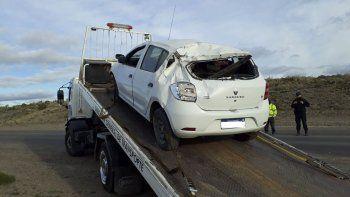 El vehículo que fue encontrado totalmente destruido en la zona del faro, en Kilómetro 8.