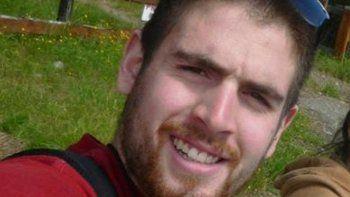 Brian Gómez tiene 23 años y se halla en coma luego de haber recibido una feroz golpiza. Investigan si intervino algún policía.