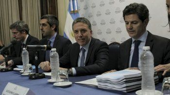 El Presupuesto 2019 ya está en el Congreso. Lo presentó el titular de Hacienda, Nicolás Dujovne. Contiene recortes que seguramente serán rechazados por los representantes del pueblo y de las provincias.