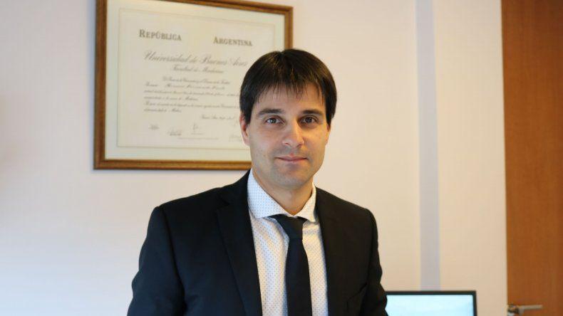 Horacio Freile: se puede hacer la cirugía de ambos ojos en el mismo día y en un plazo de seis días nuevamente se puede volver a la actividad normal.
