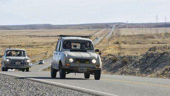 Los autos clásicos vuelven a las rutas de la Patagonia para el 6to Rally de la Mujer.
