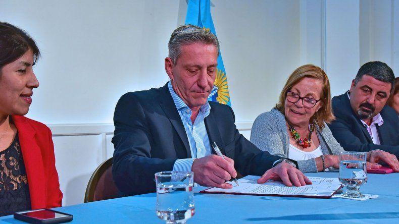 Arcioni resaltó que si una provincia quiere crecer
