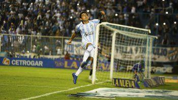 Luis Rodríguez viene de marcarle tres goles a Tigre por la Superliga.