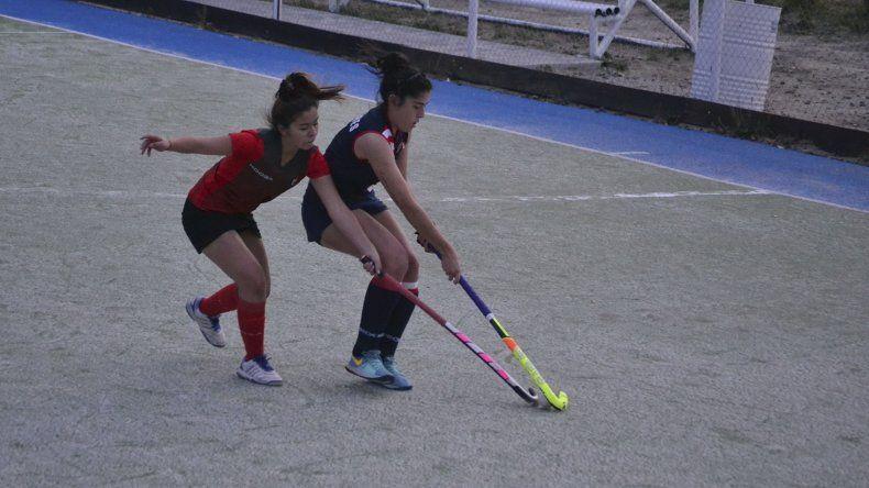 Comodoro RC derrotó por 1-0 a Deportivo Portugués por uno de los partidos jugados en Primera Damas.