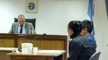 El defensor de la imputada propuso la reparación económica de los lentos rotos de la víctima para no ser condenada.
