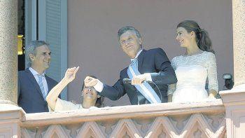 Macri celebra en la Casa Rosada el día que asumió. Hoy el jolgorio es parte del pasado.