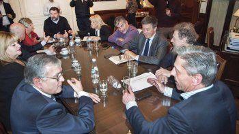 Arcioni buscó consenso con todos los legisladores nacionales que representan a Chubut, incluido Gustavo Menna.