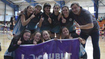 La selección de vóley femenino Sub 15 de Puerto Madryn venció en la final a su par de Comodoro Rivadavia.