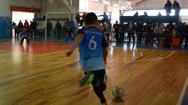El torneo de futsal infantil de la CAI sigue a toda marcha.