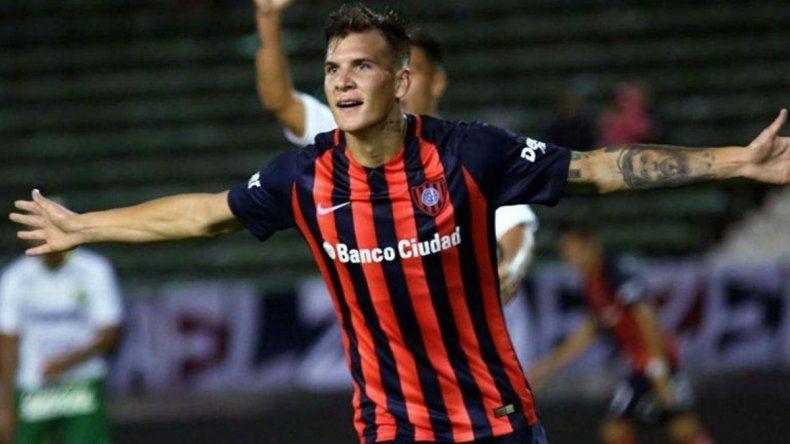 Nicolás Reniero será esta tarde uno de los delanteros titulares en San Lorenzo.
