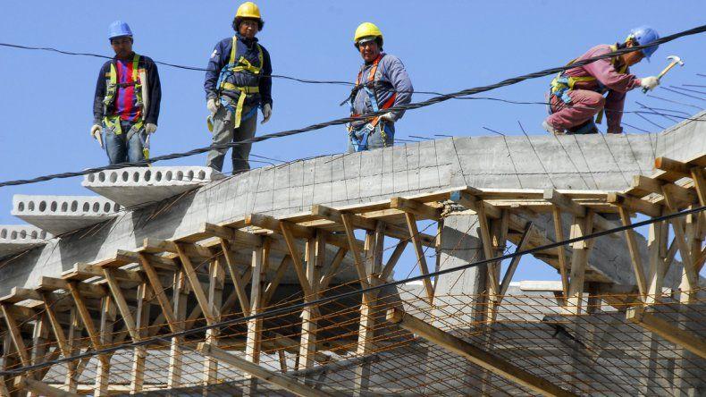 La construcción es uno de los sectores más golpeados por la desocupación en Chubut.