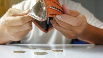 comercios vacios, bajas en las ventas y empleados preocupados en comodoro