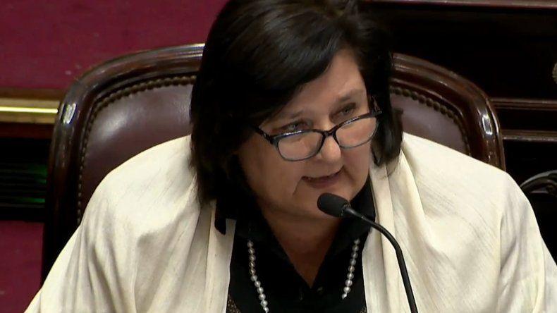 Votó en contra del aborto y debió dejar la Banca de la Mujer