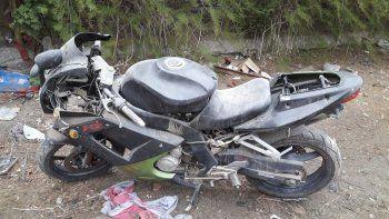 tenia escondidas dos motos robadas  en un edificio de las 1008 viviendas