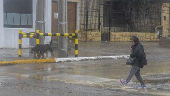 A pesar de las persistentes lluvias, en las calles no se registró gran acumulación de agua.