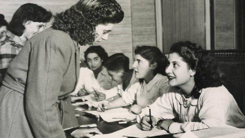Evocación del voto femenino