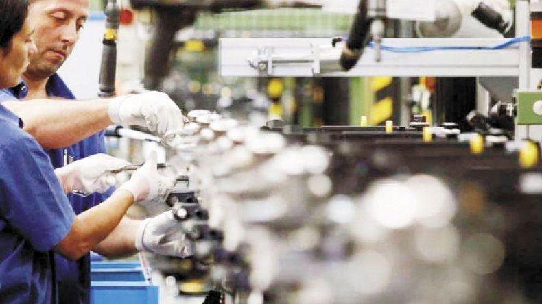 Producción de la industria pyme cayó 6,4% en agosto