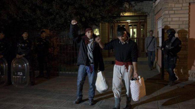 Avalan la orden de captura para Fausto Jones Huala y Lautaro González