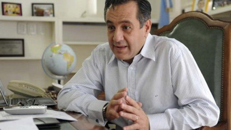 Internaron al ministro de Educación Alejandro Finocchiaro