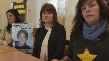 Ana María Marcos –centro– recibió el acompañamiento solidario de otras mujeres nucleadas en las ONGs Estrellas Amarillas y Madres del Dolor.