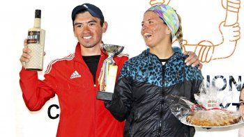 Miguel Licanqueo y Natalia Trabol, los ganadores de la prueba de 10 K.