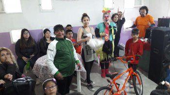 El Día del Niño se celebró con sorteos y juegos en la vecinal del barrio San Cayetano.