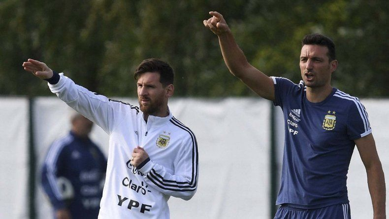 Lionel Scaloni adelantó que el crack rosarino Lionel Messi tampoco estará en la convocatoria para los partidos que Argentina jugará el próximo mes ante Irak y Brasil.