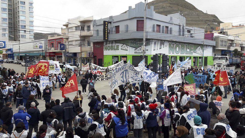Las protestas contra el ajuste comenzaron ayer al mediodía con la movilización de las CTA.