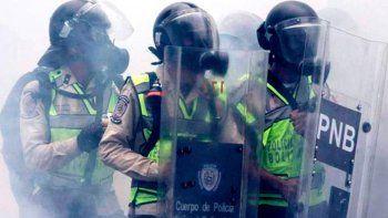 argentina y otros cuatro paises denunciaran a venezuela ante la corte penal internacional
