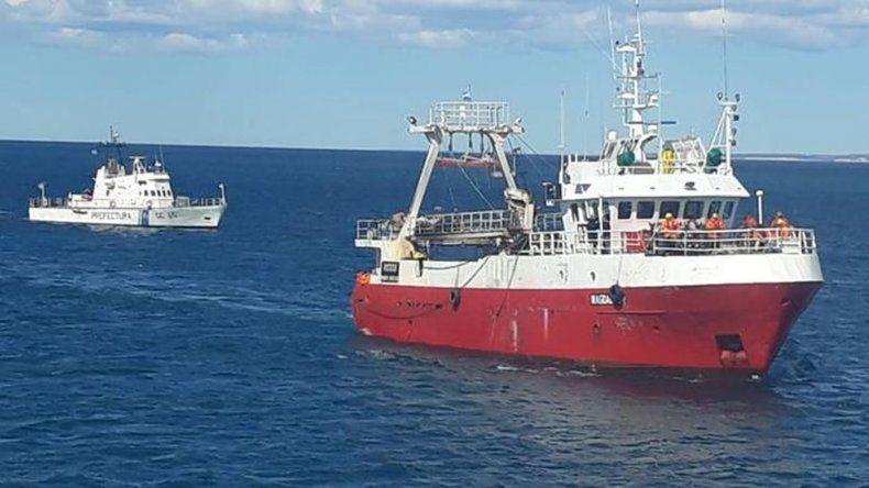 Prefectura asistió un buque en emergencia por ingreso de agua