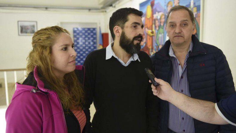 Los integrantes del CePeDe junto al intendente Carlos Linares
