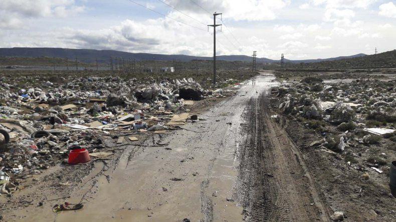 Desde mañana estará prohibido depositar residuos en la escombrera de la zona sur.