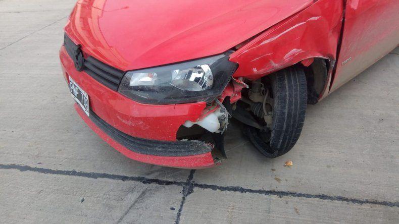 Chocaron y dejaron abandonado un auto en el Centro