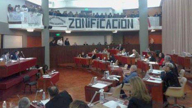 Ofrecen viáticos, traslado y alojamiento a diputados para hablar de minería en capital