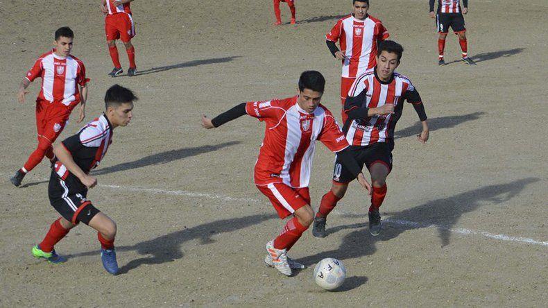 Deportivo Roca y Florentino Ameghino se enfrentarán esta tarde en la cancha de Huracán y buscan salir del último puesto del torneo Final A.