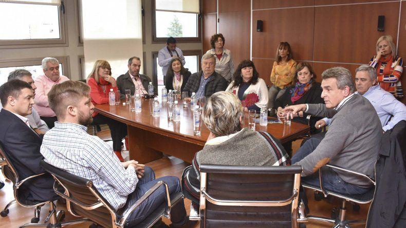 El encuentro de Agustín Rossi con los diputados chubutenses.