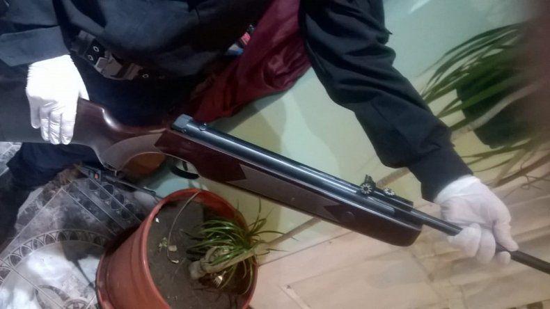 Allanamientos por robo armado a tres estudiantes en KM 3