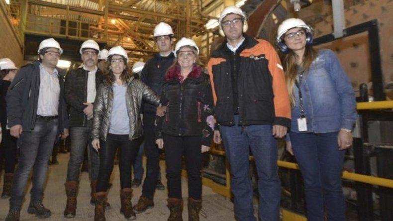 Las gobernadora Alicia Kirchner recorrió la zona de minas y otras instalaciones de Cerro Vanguardia