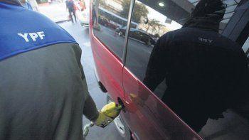 YPF aumentó 10 por  ciento las naftas