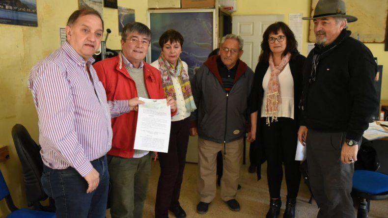 Entregaron subsidio al Centro de Jubilados y Pensionados del Petróleo y Gas Privado
