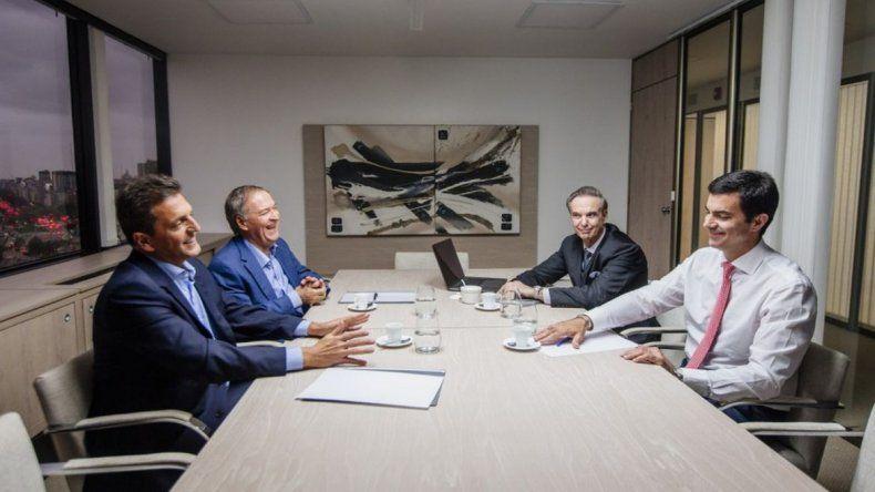 Carlos Menem se deshizo en elogios para el espacio Alternativa Argentina