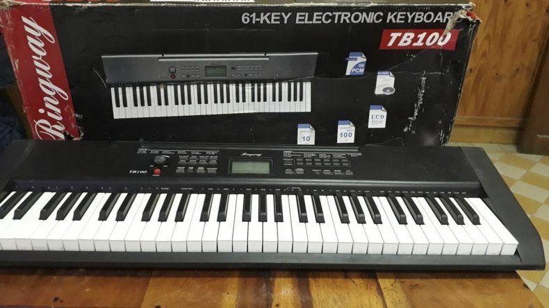 Policía busca al dueño  de un teclado robado