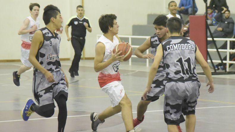 Esta noche continuará la acción por el torneo Clausura 2018 que organiza la Asociación Comodoro Rivadavia de Básquetbol.