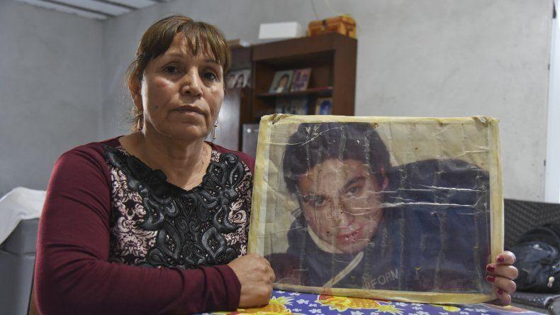 María Millacura insiste en considerar inútiles los juicios que se realizan a los policías involucrados en la desaparición de su hijo.