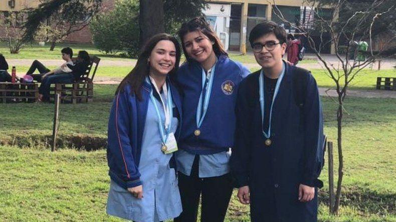 Estudiantes de Comodoro y Sarmiento en el podio de las Olimpíadas Argentinas de Biología
