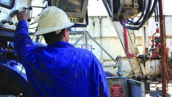 Petroleros adhieren al paro de la CGT pero sin parar la producción