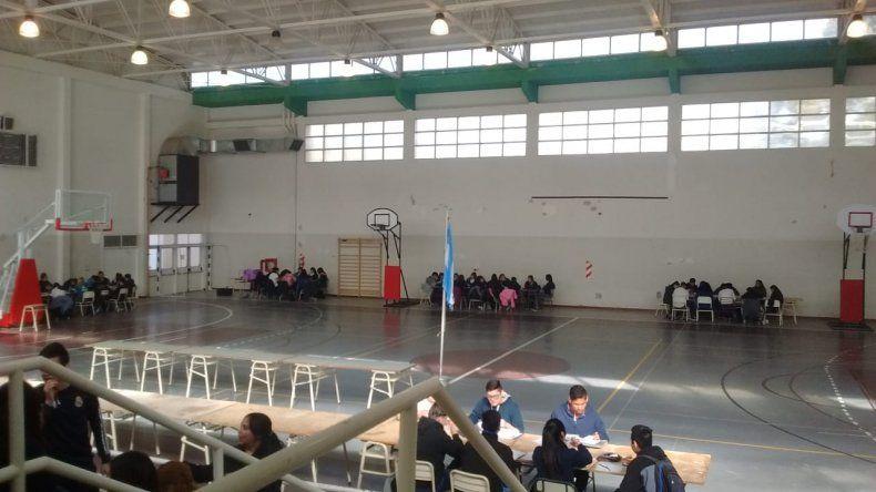 Sin calefacción dictan las clases en el gimnasio